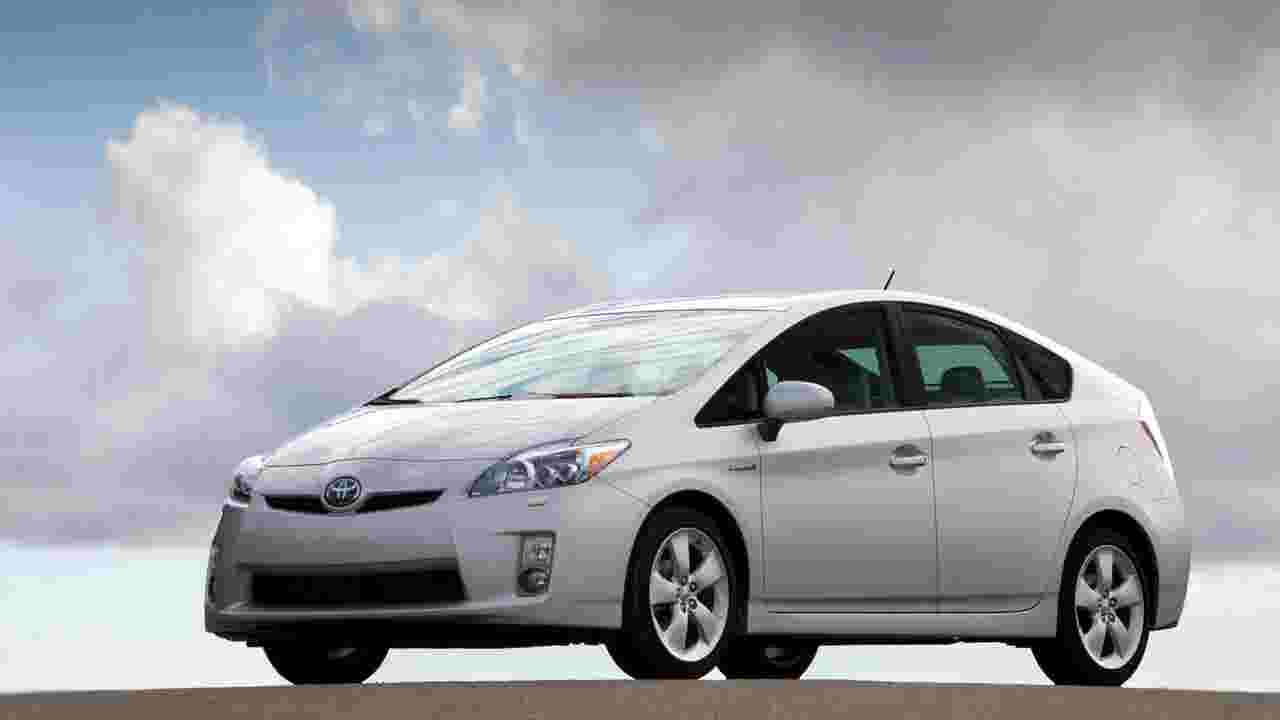 Toyota Recalls 2 4 Million Prius Hybrids That Could Stall While Driving