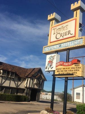 The Towne Crier Steakhouse is scheduled to reopen under new management.