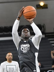 Oakland's Kendrick Nunn, a transfer from Illinois,