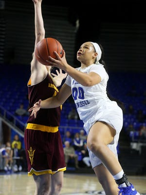 MTSU's Alex Johnson (00) is looking to avenge last year's loss at CMU on Wednesday.