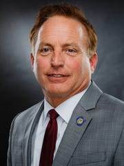 Iowa Secretary of State Paul D. Pate meets with the