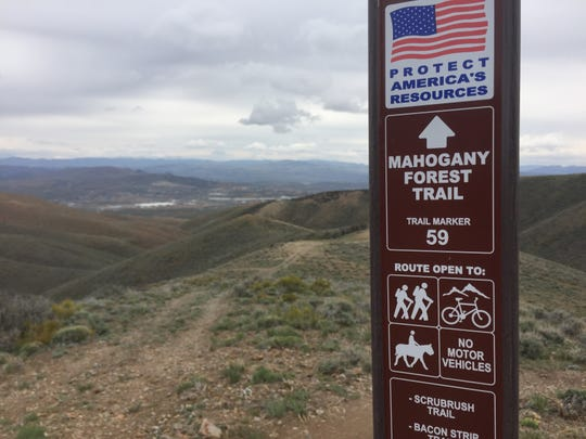 Signs help guide hikers and riders through Peavine