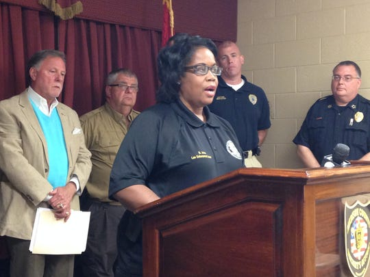 Brenda Jones, of the Tennessee Governor's Highway Safety Office, urged drivers to use their seat belts when driving to reduce the possibility of traffic fatalities. Jones and Sgt. Joe Gill said officers will be doing checkpoints and saturation patrols to monitor seat belt violations and impaired drivers during the Memorial Day weekend.