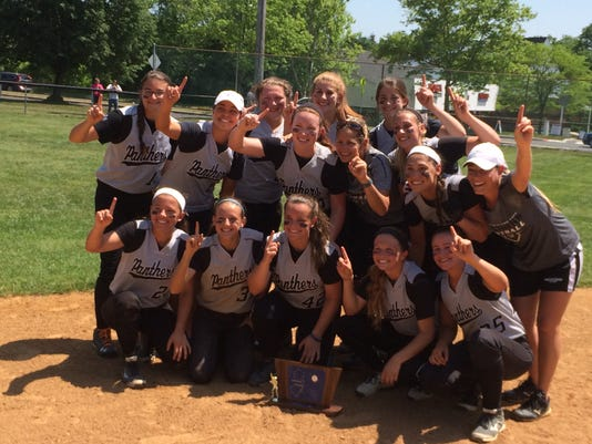 Bridgewater-Raritan SOFT wins N2IV title 5-29-15.jpg