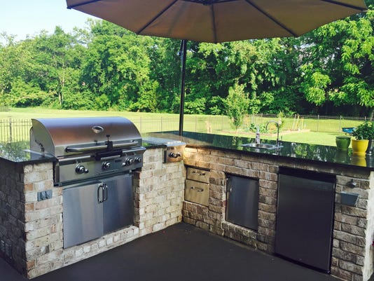 Whitt outdoor kitchen 1