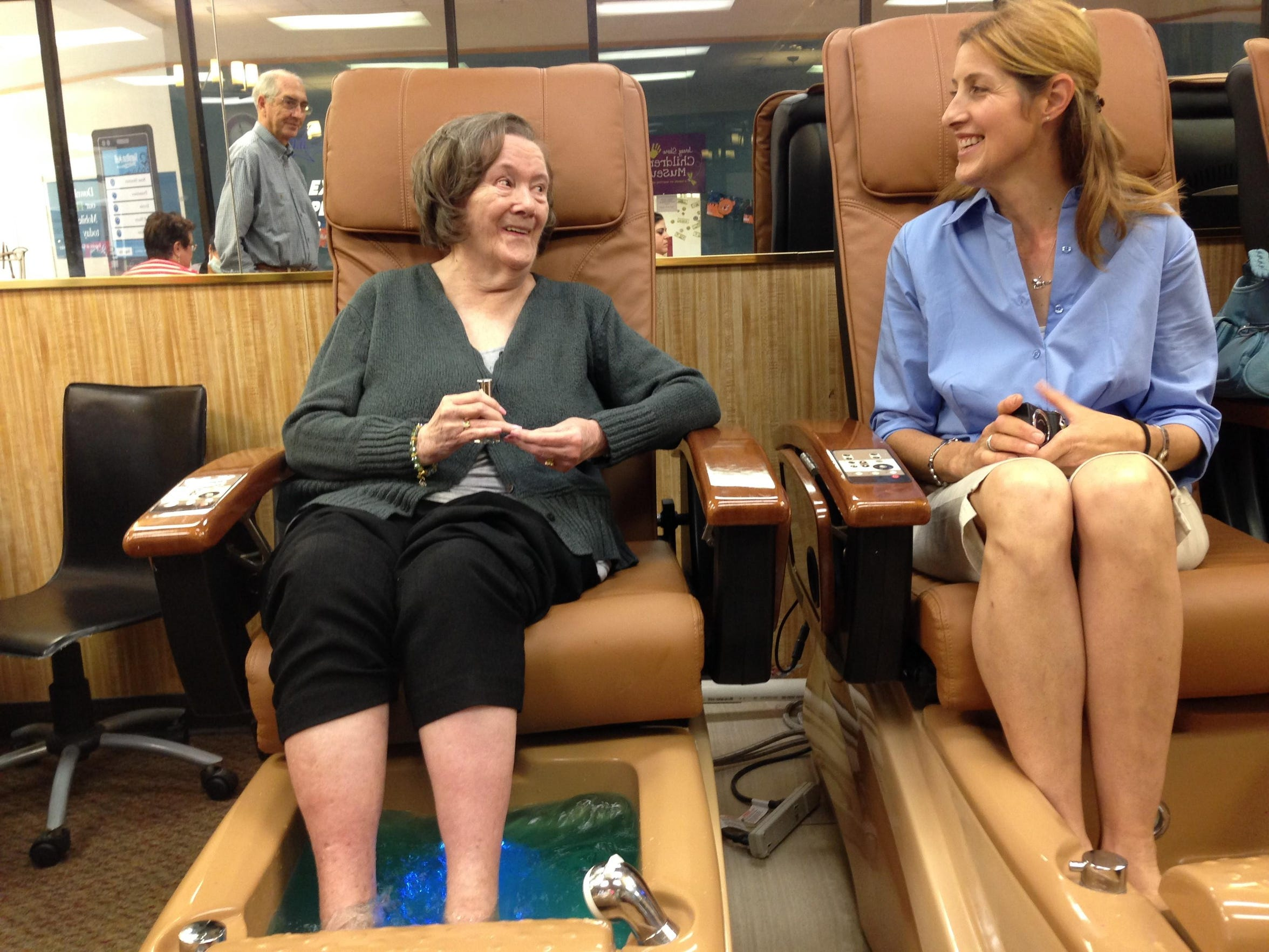 Helen Hugo, left, shares a laugh with her niece, Barbara