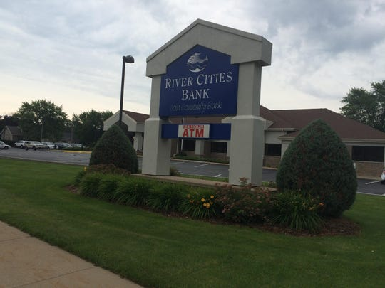 A bank account comparison website has named River Cities Bank one of the 200 healthiest banks in the country for 2015