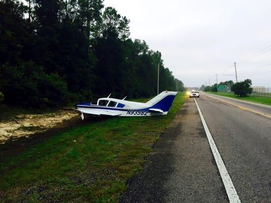 _media_2015_07_30_Tallahassee_Tallahassee_635738365108132442-Plane-landing-.JPG