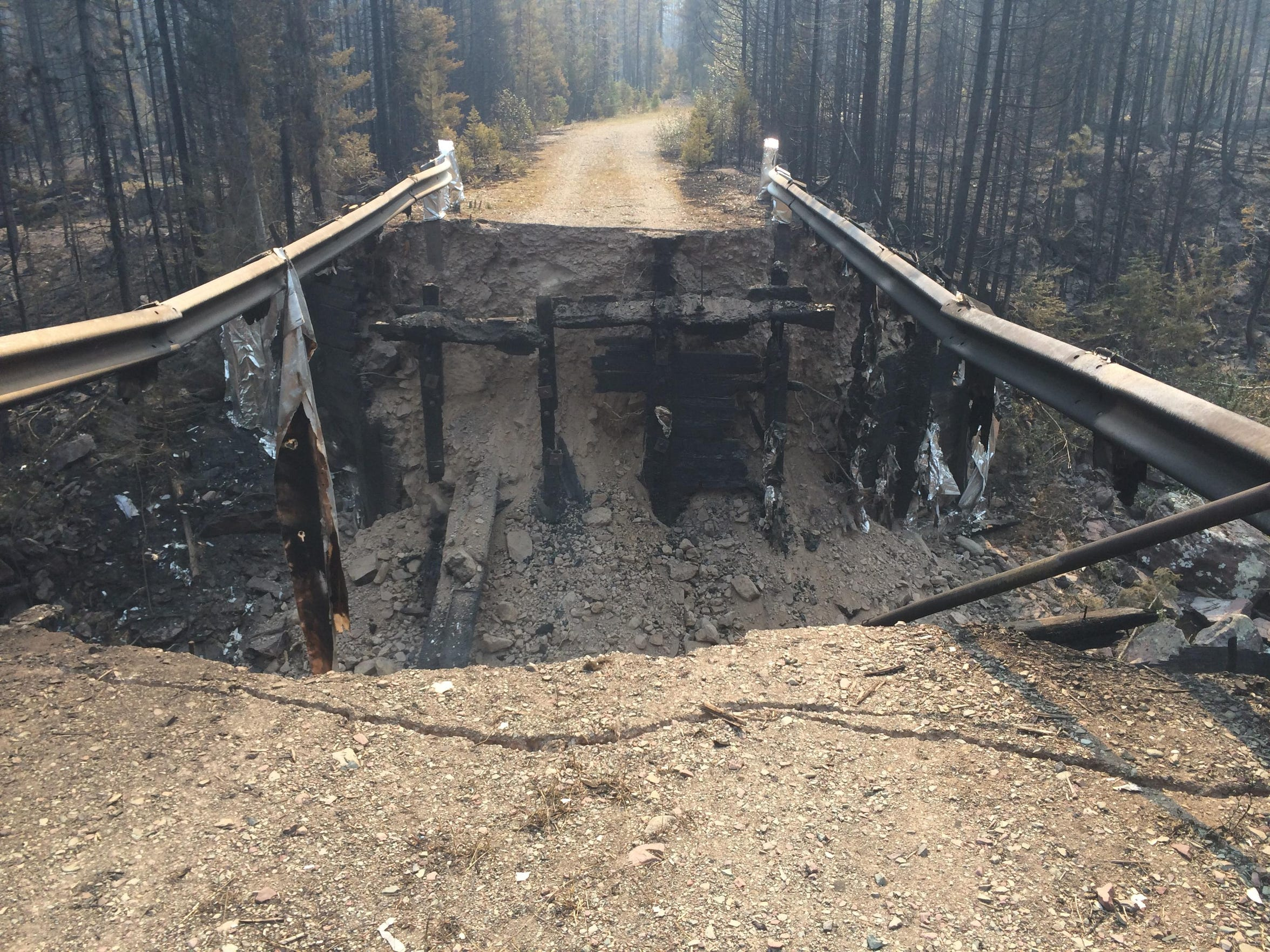 -bear creek fire bridge.jpg_20150903.jpg
