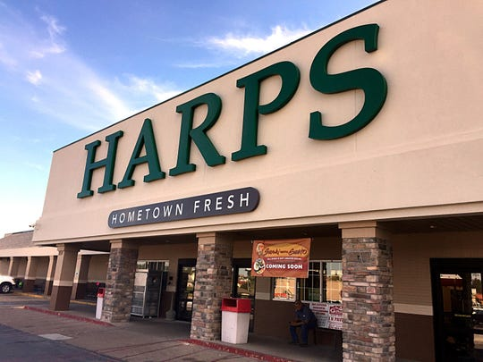 Harps Foods and online delivery service Instacart now offer home delivery of groceries in Mountain Home.