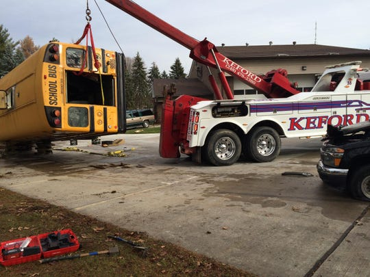 Keford Towing demonstrates heavy vehicle lifting.