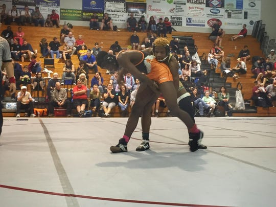Lincoln senior Jaycie Rudd won his 160-pound regional title with a hard-fought decision.