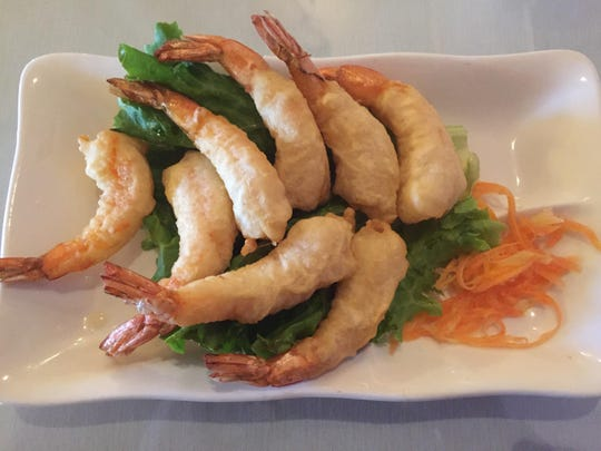 The fried prawn appetizer improves with sweet chili dipping sauce.