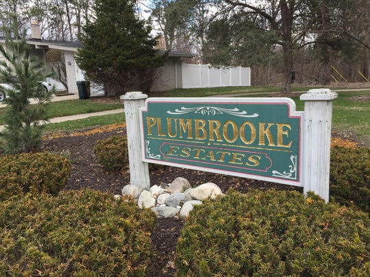 Southfield tour Plumbrook estates