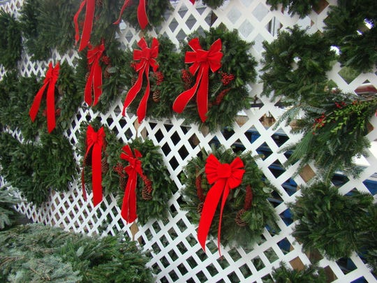 We all know that fall is a good time to prune shrubs, so why not make wreaths from the clippings instead of filling your green waste can?