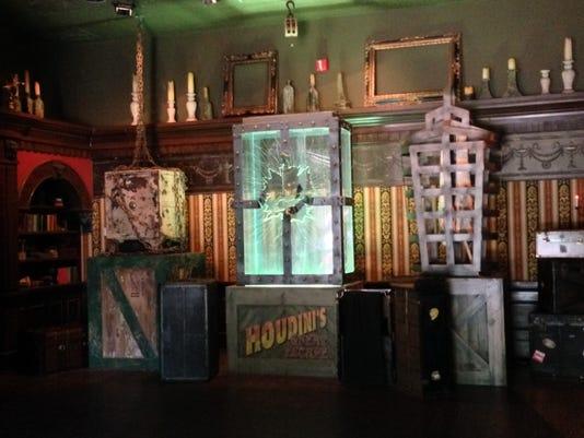 HoudiniPreshowWaterEscape.jpg