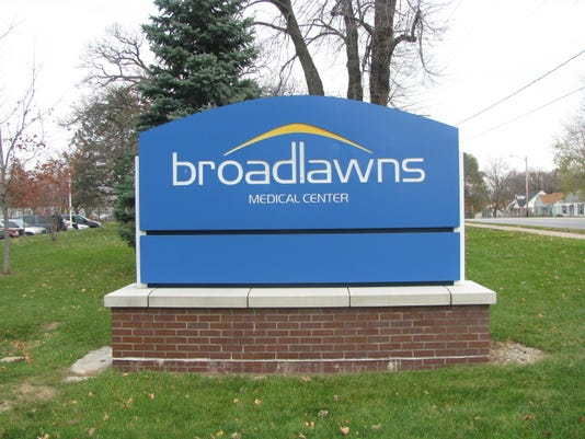 Broadlawns sign.JPG