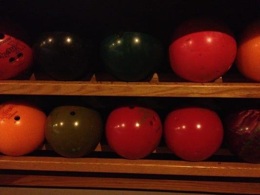 BOWLING-Balls.JPG