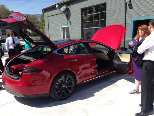 Tesla hq 6.JPG