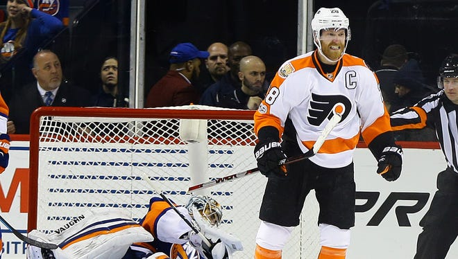 Claude Giroux snapped a 12-game goalless drought Sunday night.