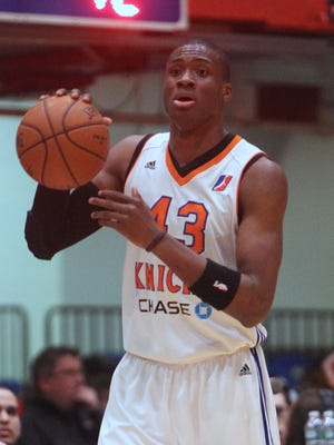 Thanasis Antetokounmpo signed with the New York Knicks.