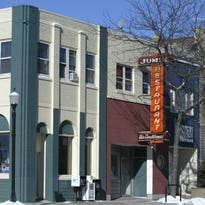 A consignment art retail shop could be coming to the old Jumes Restaurant building in downtown Sheboygan.