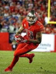 Mike Evans leads the Bucs with 27 receptions for 371