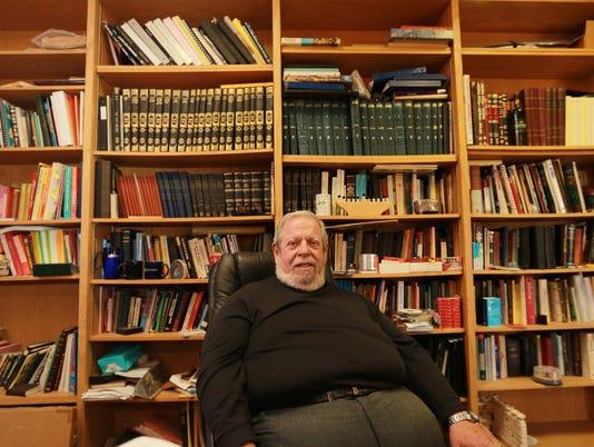 Rabbi-Leon-3.jpg