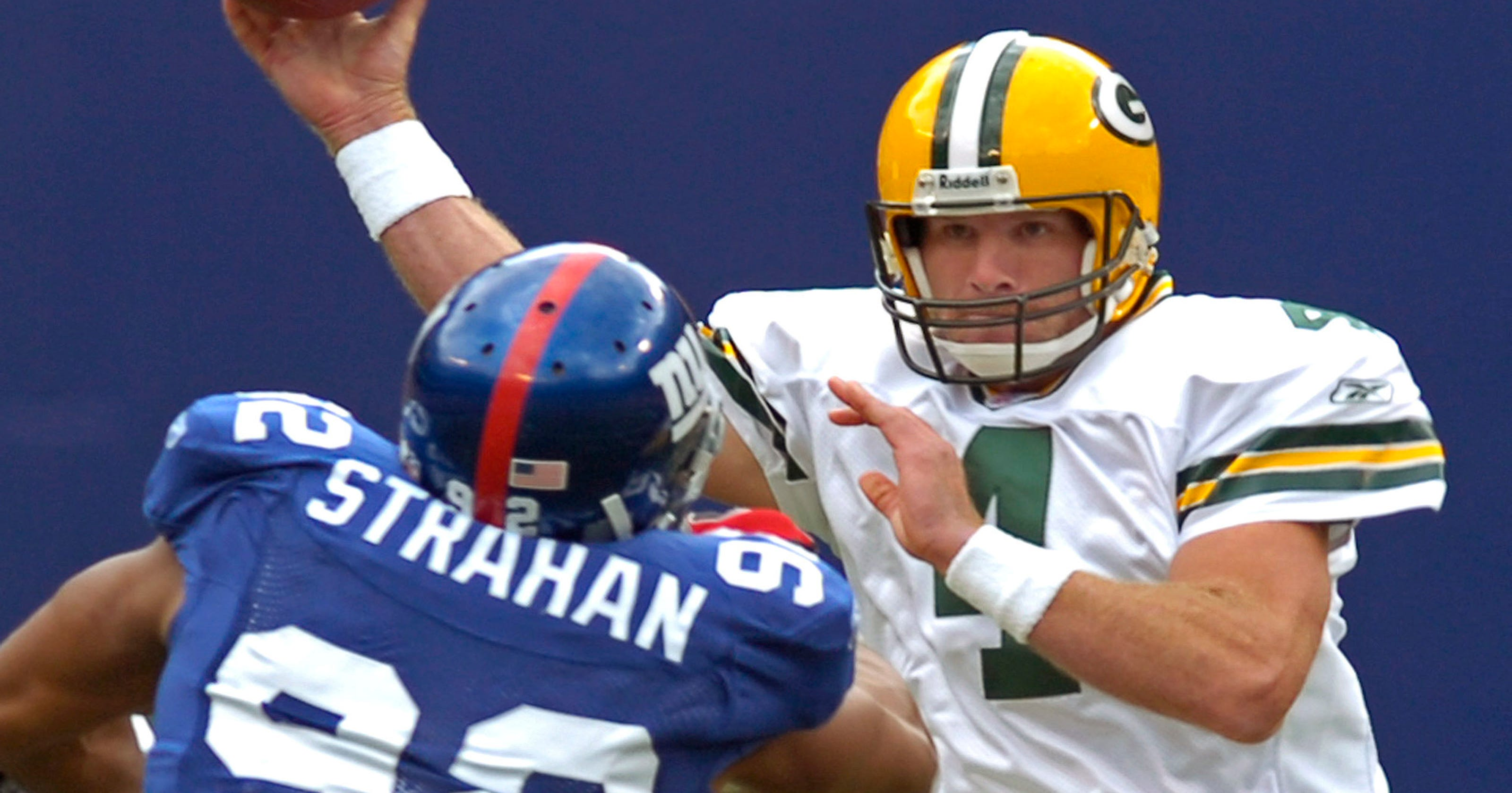 1bbb25814e8 Packers' Rodgers looking forward to returns of Favre, Starr