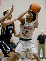 Spiece Indy Heat Gym Rats Keion Brooks (5) drives on