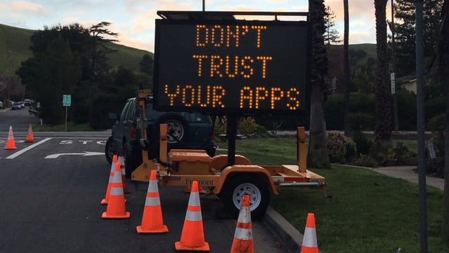 A sign used in Fremont, Calif. to warn drivers that no left turns will be allowed from 3:00 - 7:00 pm, to keep people from taking shortcuts through the town. It warns people not to trust their mapping apps.