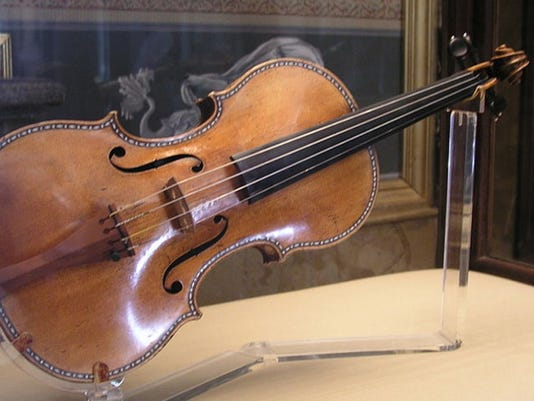 Stradivarius-990x589.jpg