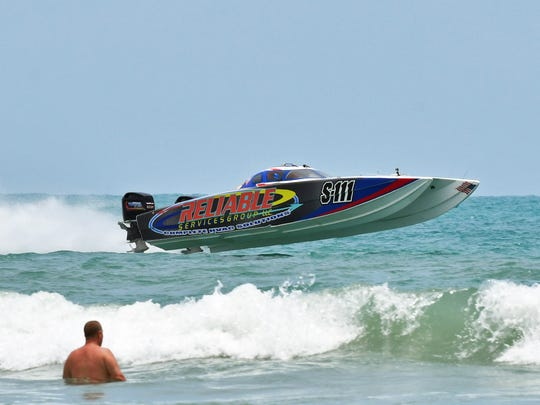 The noon Sunday race at the 8th Annual Thunder on
