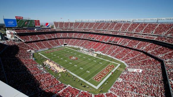 Broncos 49ers Footbal_Ball (1)