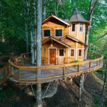 10Best: Spend the night in a treehouse