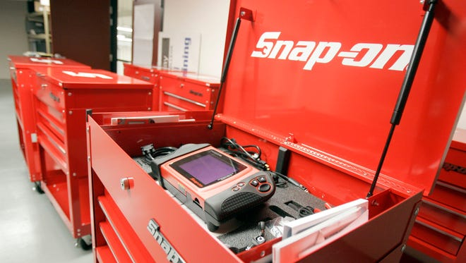 Kenosha-Based Snap-on Inc. announced improved third quarter earnings and sales.
