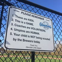 Glendale Little League sign reminds fans: 'These are kids. This is a game.'