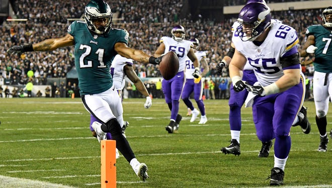 Philadelphia Eagles cornerback Patrick Robinson scores a touchdown after an interception in the NFC Championship Game.