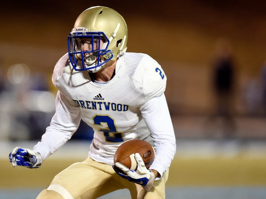 Brentwood wide receiver Parker Bullion (2) runs the