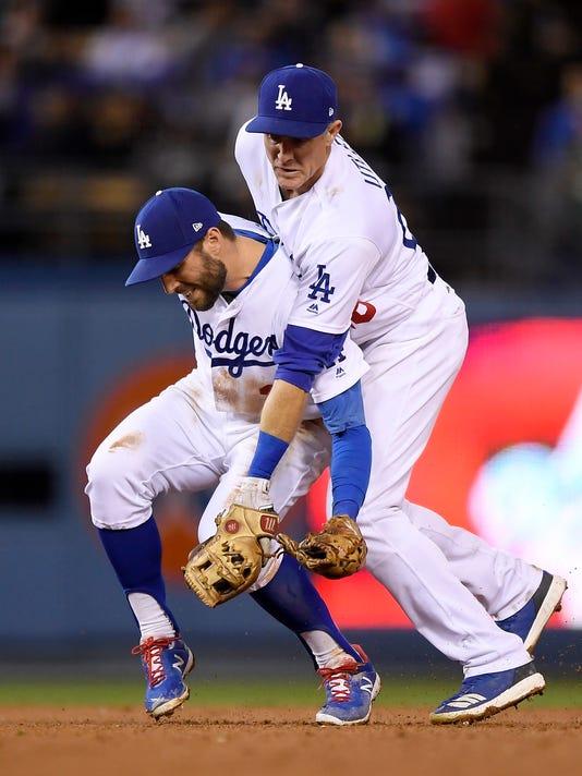APTOPIX_Reds_Dodgers_Baseball_57174.jpg
