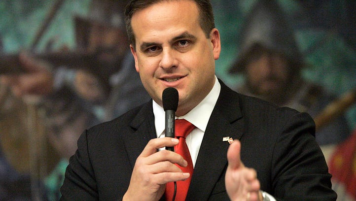Florida Senator Frank Artiles resigns after insults, racist remarks in bar