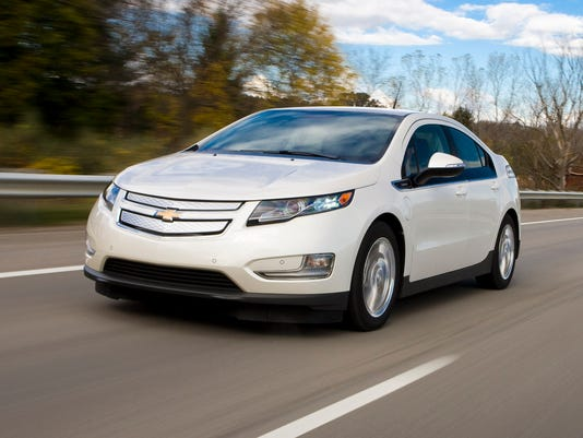 635676308851557117-2015-Chevrolet-Volt-003