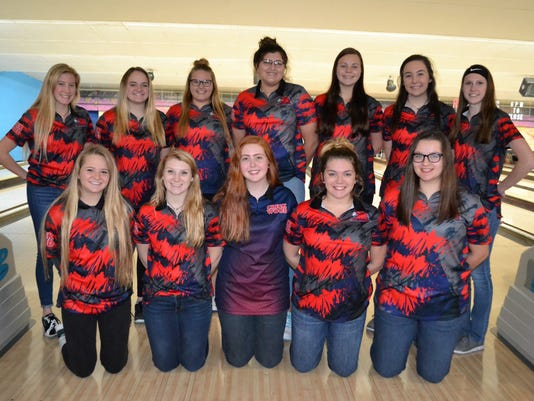 636517811754593519-2017-18-CW-Lady-Red-Hawks-Bowling-Team.jpg