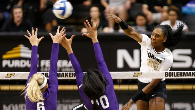 Danielle Cuttino had 28 kills in wins over No. 5 Minnesota and No. 10 Wisconsin over the weekend.