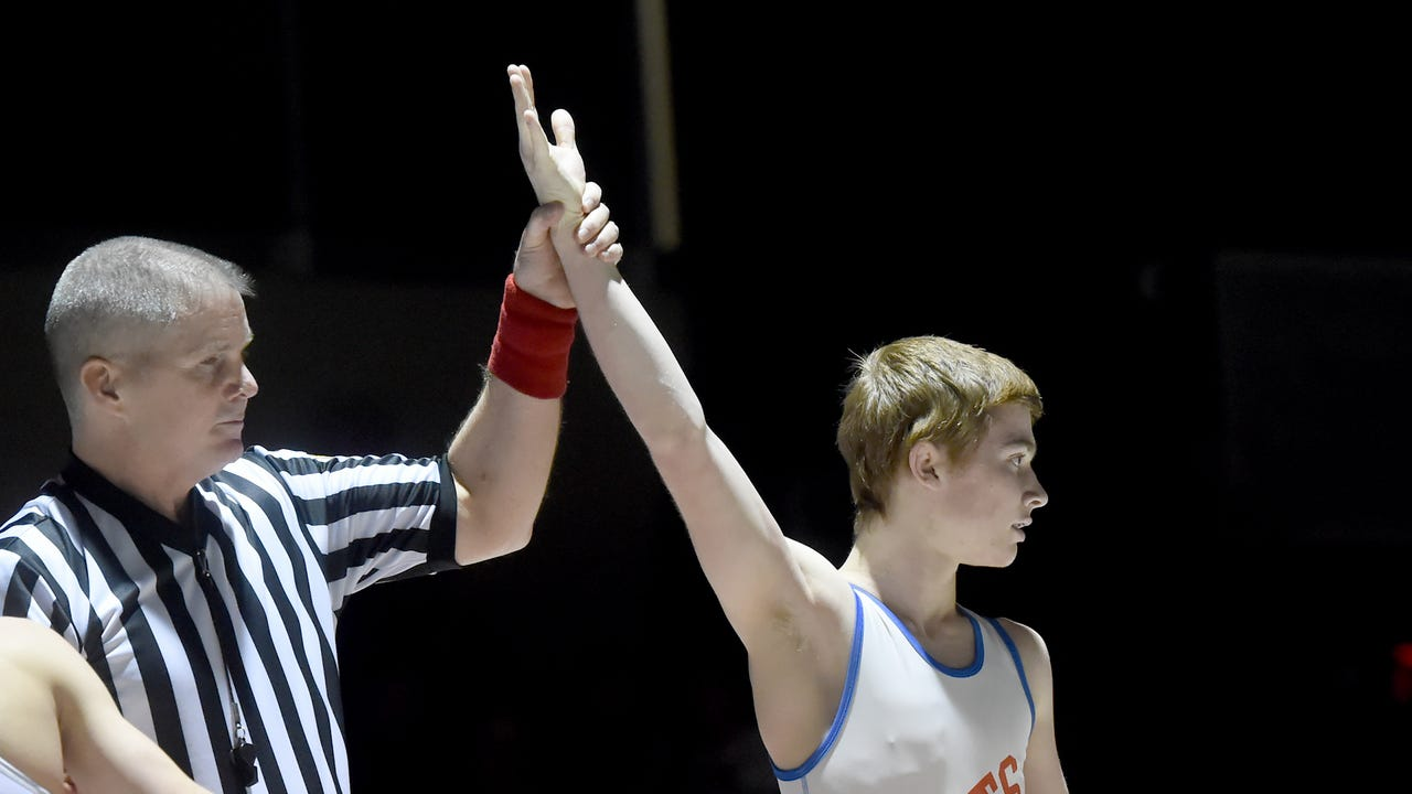 Watch: Dalton Rohrbaugh leads Spring Grove wrestling