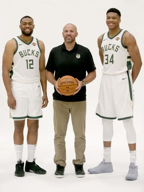 Bucks head coach Jason Kidd poses with Giannis Antetokounmpo