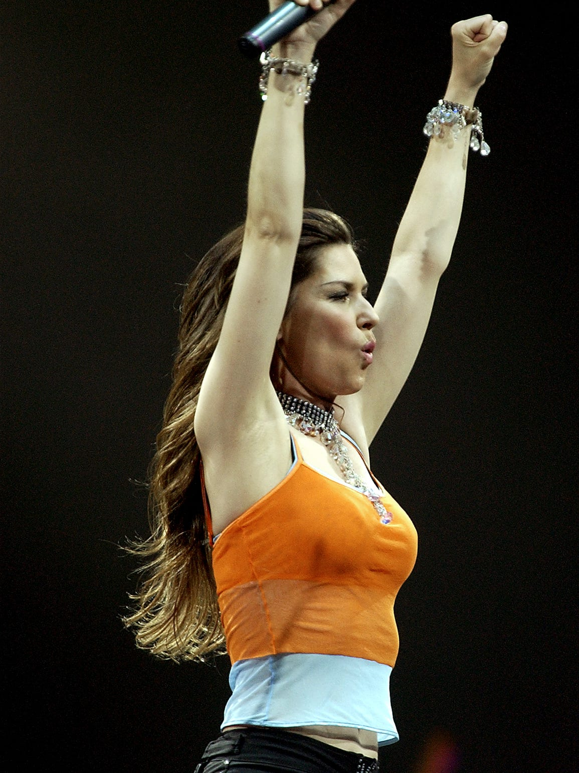 Shania Twain was the first act to perform in the round