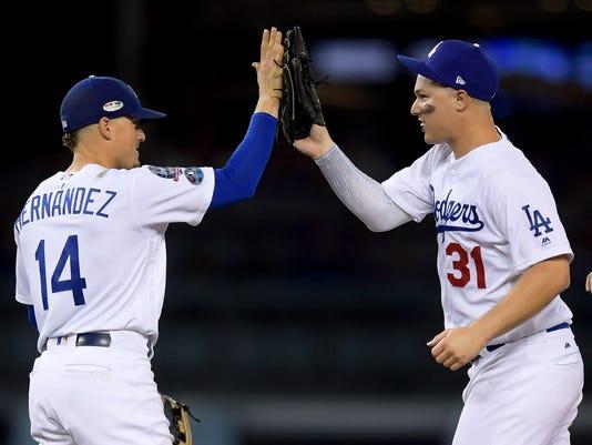 NLDS_Braves_Dodgers_Baseball_92081.jpg