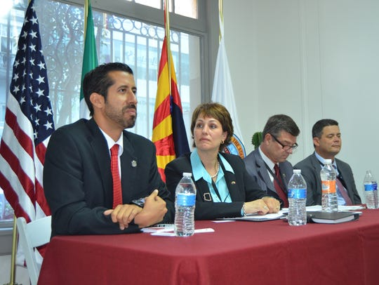 Juan Carlos Ituarte (left), undersecretary of economic