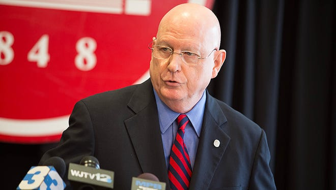 Dr. Dan Jones announces that he will not accept the offer of a two year extension from the IHL board.